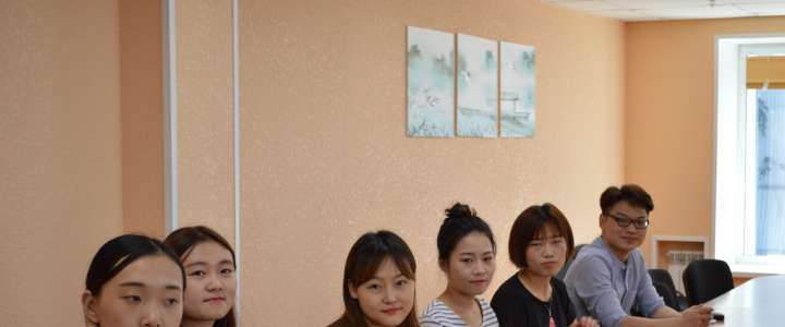 "Students from Shaanxi Pedagogical University say: ""We're very glad we did our pracitum at ILS!"""