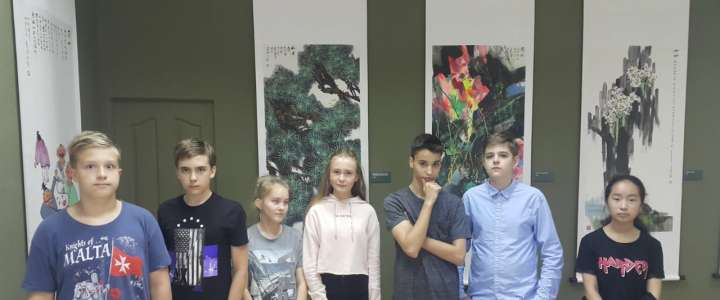 ILS 8th graders visit Chinese art exhibition