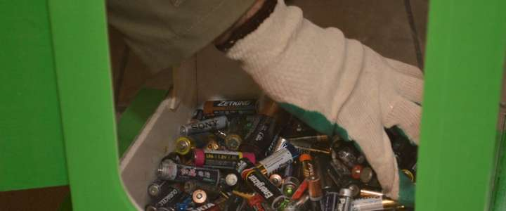 Twenty kilos of used batteries collected at ILS