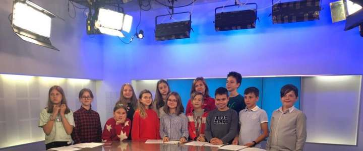 ILS 6th graders find out how Vladivostok TV company broadcasts news